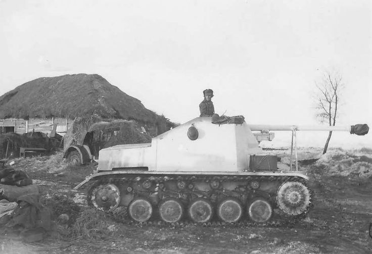 A (SdKfz 131) Marder 2 painted in winter camo while operating on the Eastern Front.
