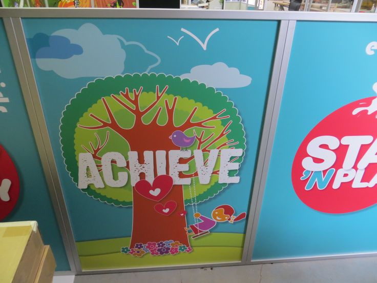 Displays 2 Go - Bright graphics with key words to stimulate little minds.