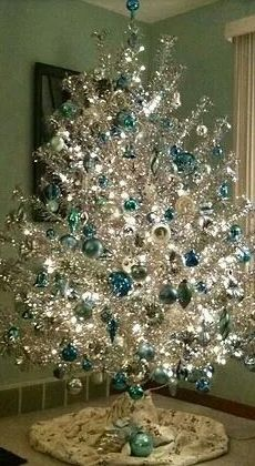 Click Pic - 30 Christmas Tree Decorating Ideas - Silver Christmas Tree - DIY Christmas Decorations