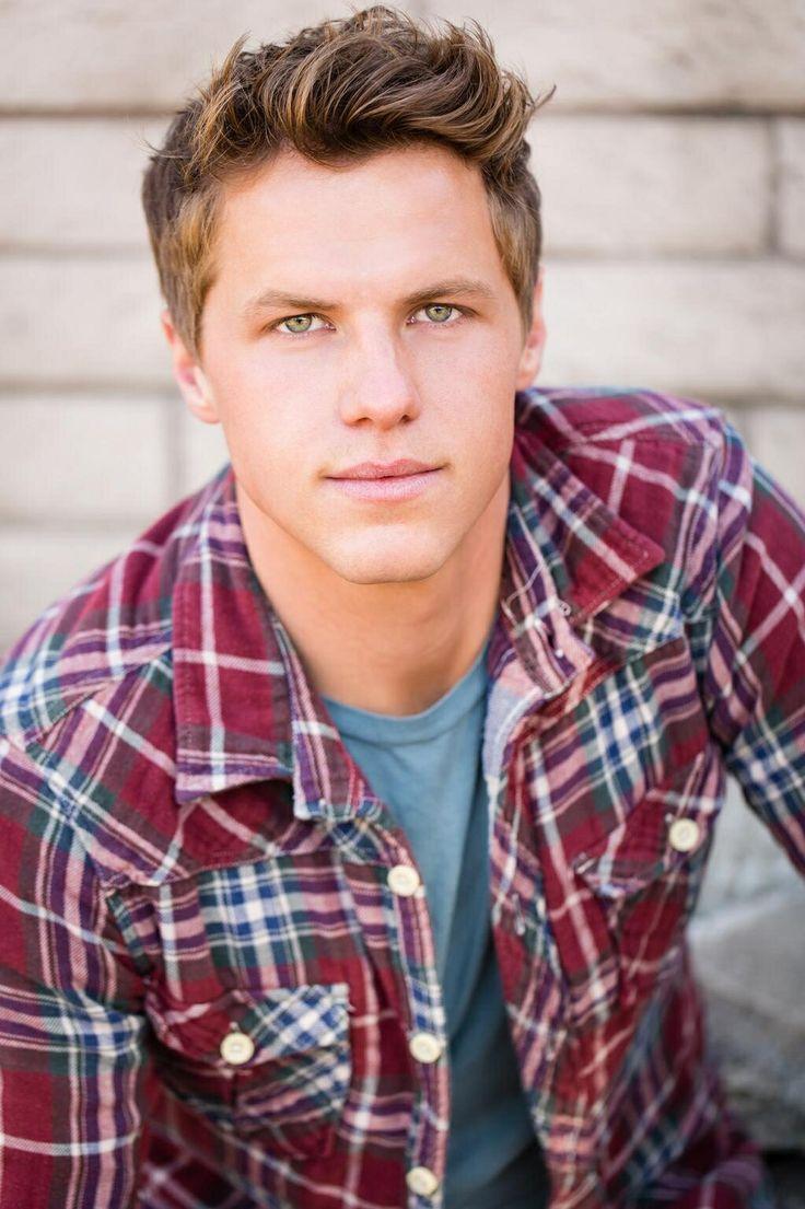 Kevin G Schmidt (Blake Evan Stone)(20)