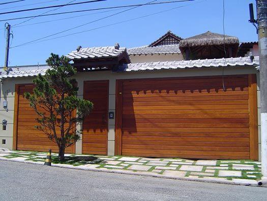 Portões de Garagem de Madeira