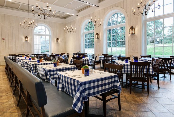 A full-service restaurant in the New York Botanical Garden keeps garden hours, closing at 6 p.m.