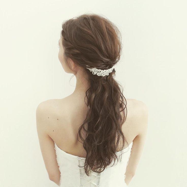 ・ photo by studio SUNS hair&make:@kiyomioe_hairmake Kiyomi Oe ・ #d_weddingphoto #沖縄 #撮影 #スタジオサンズ #ウエディングフォト #フォトウエディング #結婚写真 #結婚式準備 #結婚式 #前撮り #ウエディング #ブライダル #hairmake #ヘアメイク #ヘアスタイル #hairarrange #ヘアアレンジ #makeup #ヘッドアクセ #ティアラ #weddingdress #プレ花嫁 #オシャレ #かわいい #新娘 #Japan #ナチュラル #결혼 #ポートレート #日本中のプレ花嫁さんと繋がりたい
