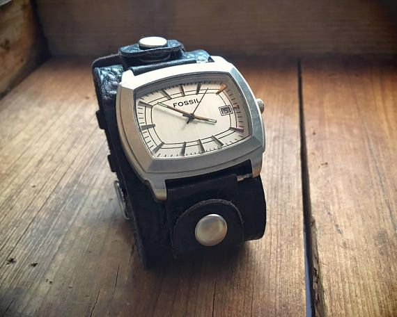 Vintage Fossil watch wide leather watch band glow in dark