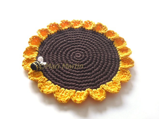 Daisy Yellow Brown Crochet Placemat