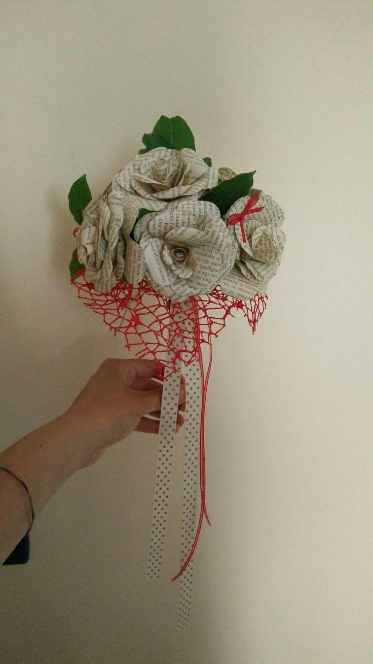 Bouquet di fiori di carta per laurea