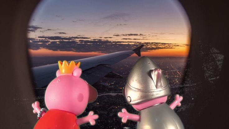 Дети свинки летят на самолете к морю. Серия # 119