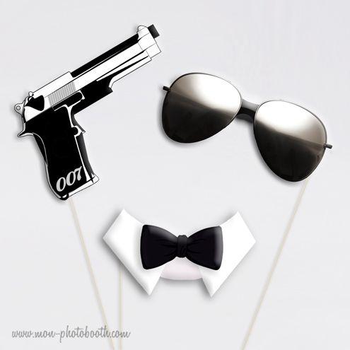 Une soirée sur le thème des films cultes?Bluffants et plus vrais que nature!1 pistolet 007 + 1 paire de lunettes de soleil type Rayban+ 1 col smoking avec noeud papillonEn famille ou entre amis, préparez l'appareil photo et prenez la pose! Souvenirs inoubliables et fous rires garantis!voir aussi: célébrités et cinéma, 007 gold gun, super héros, playboy pinup