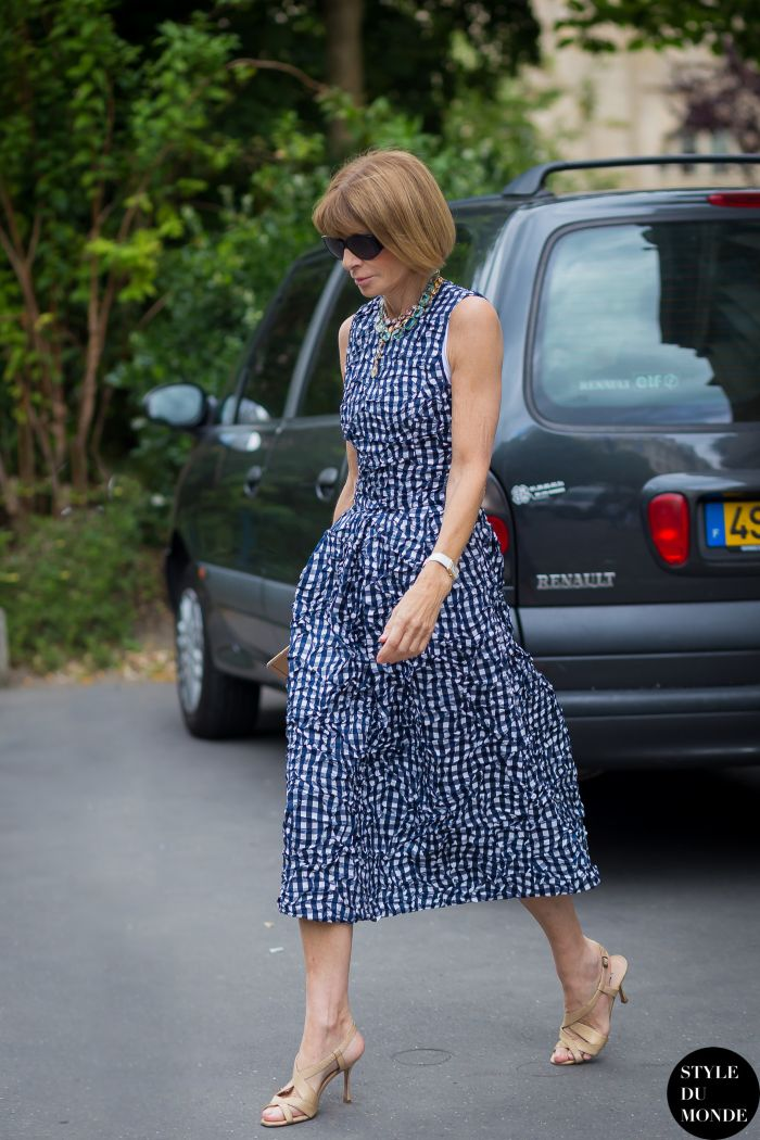 the lady herself. #AnnaWintour in Paris.