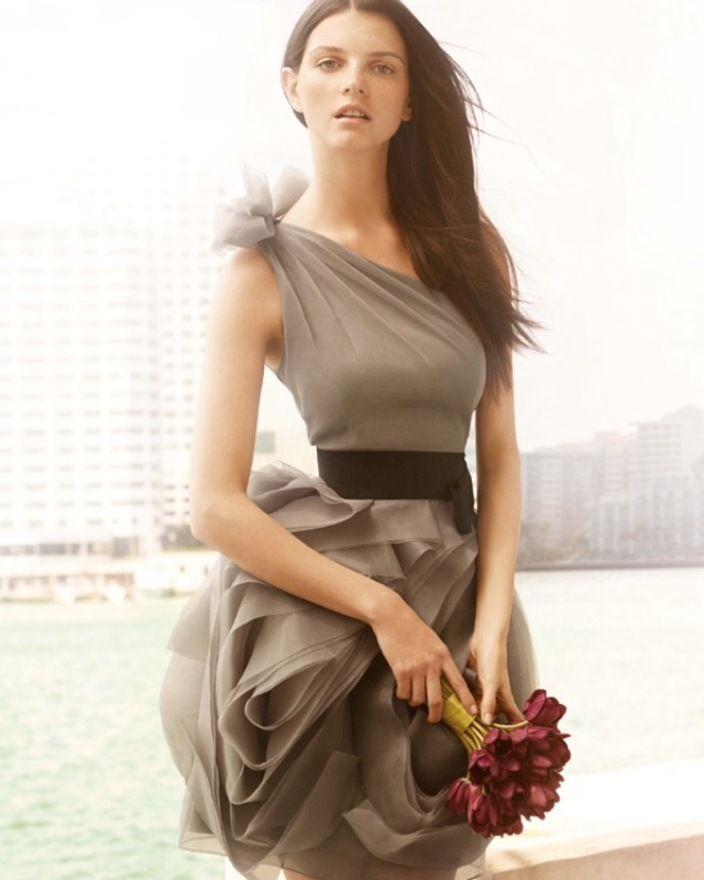 Платье для похода на свадьбу или вечеринку, очень красивый цвет Стоимость аренды 3 дня3500 Обеспечительный платеж (руб)3000 Минимальный срок аренды3 дня