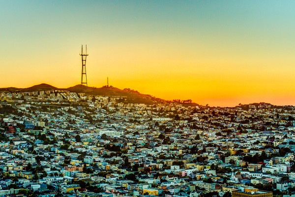 """I Rise Above - Sutro Tower Sunset - That tower sits on """"Twin Peaks"""" in San Francisco.  I lived in a house there one year.  The best views of SF (when there's no fog) from all angles.Sutro Towers, Schöne Orte, Pinterest Photographers, Good Parks, Towers Sitting, Heart Desire, Towers Sunsets, San Francisco, Sunrises Sunsets"""