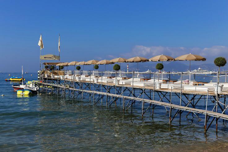 Ponton de la Plage du Grand Hôtel de Cannes. #ponton #riviera #plage #privée #private #beach