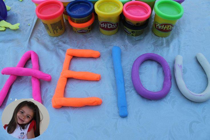 Giochiamo e impariamo le lettere con playdoh le vocali