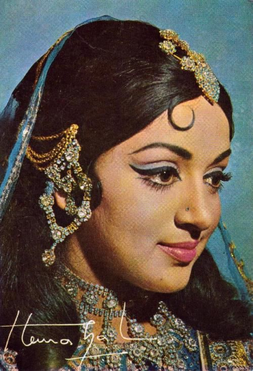 Hema Malini - one of the most classiest women in the history of Bollywood cinema, not to mention an amazing classical dancer.