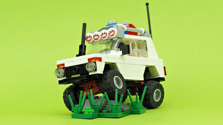 """https://flic.kr/p/YZNRg4   Off-Road Expedition Car """"NIVA""""   Building instructions YOUTUBE"""