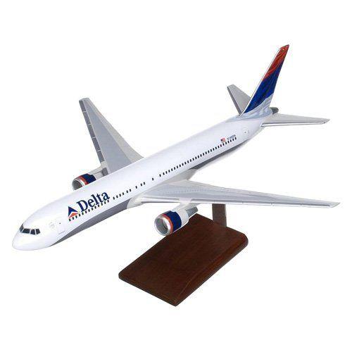 Daron Worldwide Boeing B767-300 Delta Model Airplane - KB767DTR