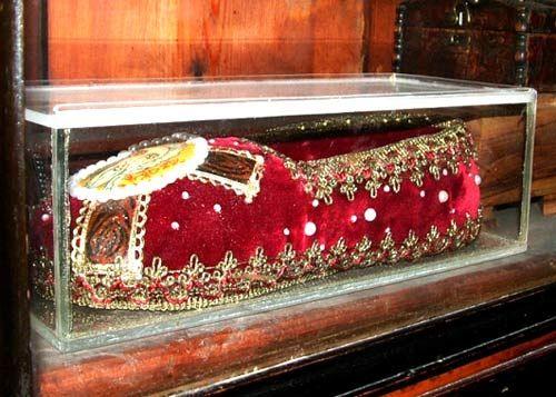 Чудо-тапочек Спиридона Тримифунтского. Изображение сайта ПРАВОСЛАВНОЕ ПАЛОМНИЧЕСТВО, автор неизвестен.