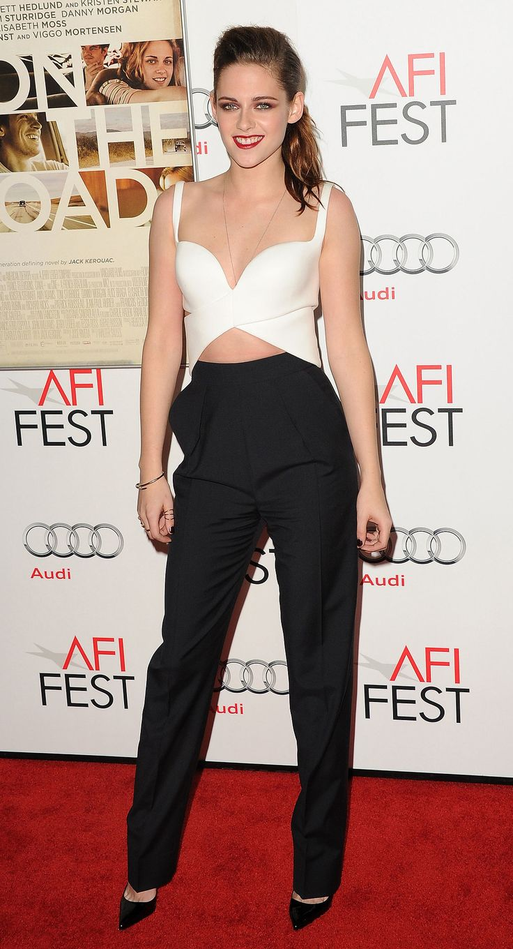 We love how Stewart took a risk and toed the sexy-meets-high-fashion line in this black and white Balenciaga pairing in November 2012.