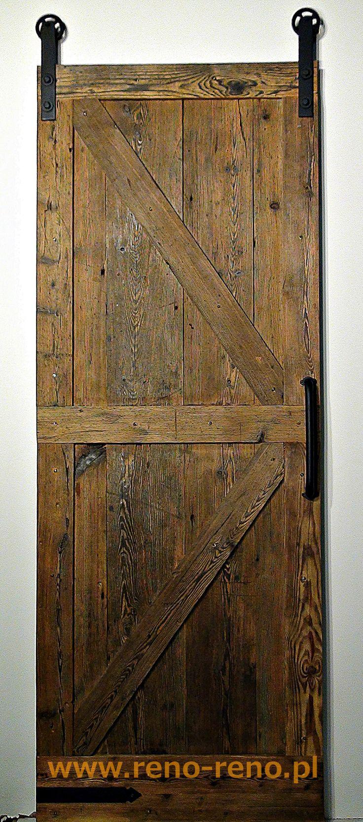 Piękne rustykalne drzwi przesuwne naścienne. Pracownia Reno.