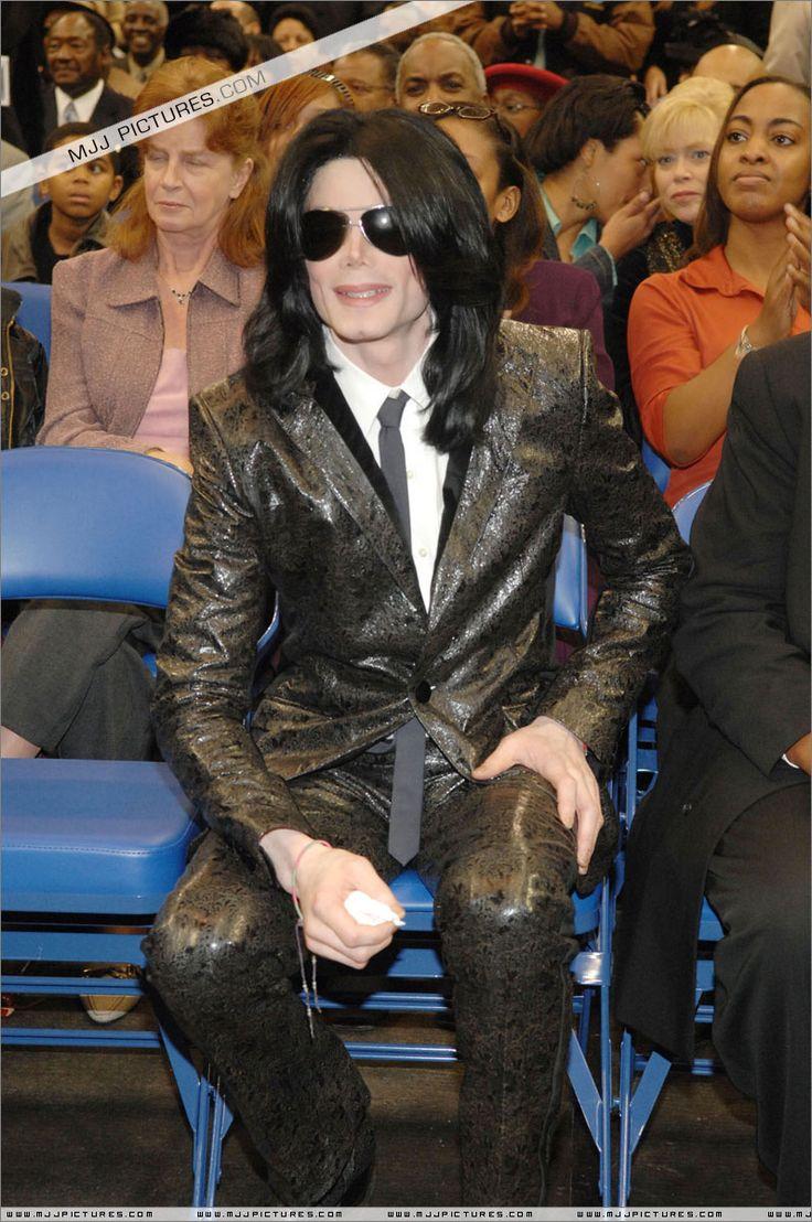 Michael Jackson's Clothing Style !