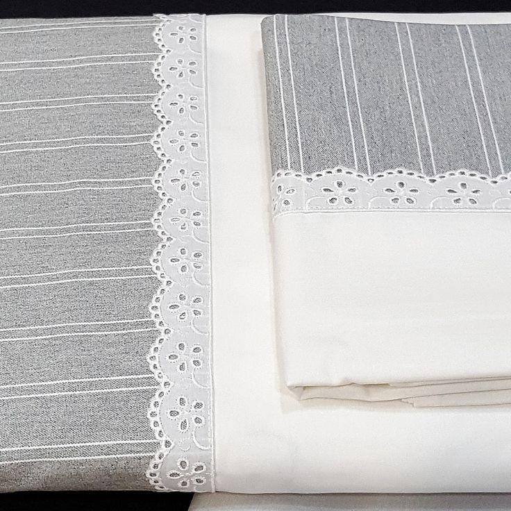 Juego de Sábanas completo de algodón 100% con un gramaje de 144 hilos por pulgada.    Con un diseño muy elegante en color gris, con rayas blancas y rematada con una pequeña puntillita de flores también en color blanco.  Tejido confeccionado con 30x30 de pasadas, un lujo a un precio muy competitivo. *        Válida para largos de 200 mts y todas las alturas de colchón.