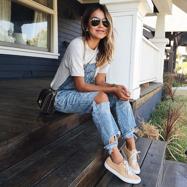Denim overalls done right. History repeats itself.  I'm happy overalls are cool again! Instagram Inspiration by @sincerelyjules #chicbyhera