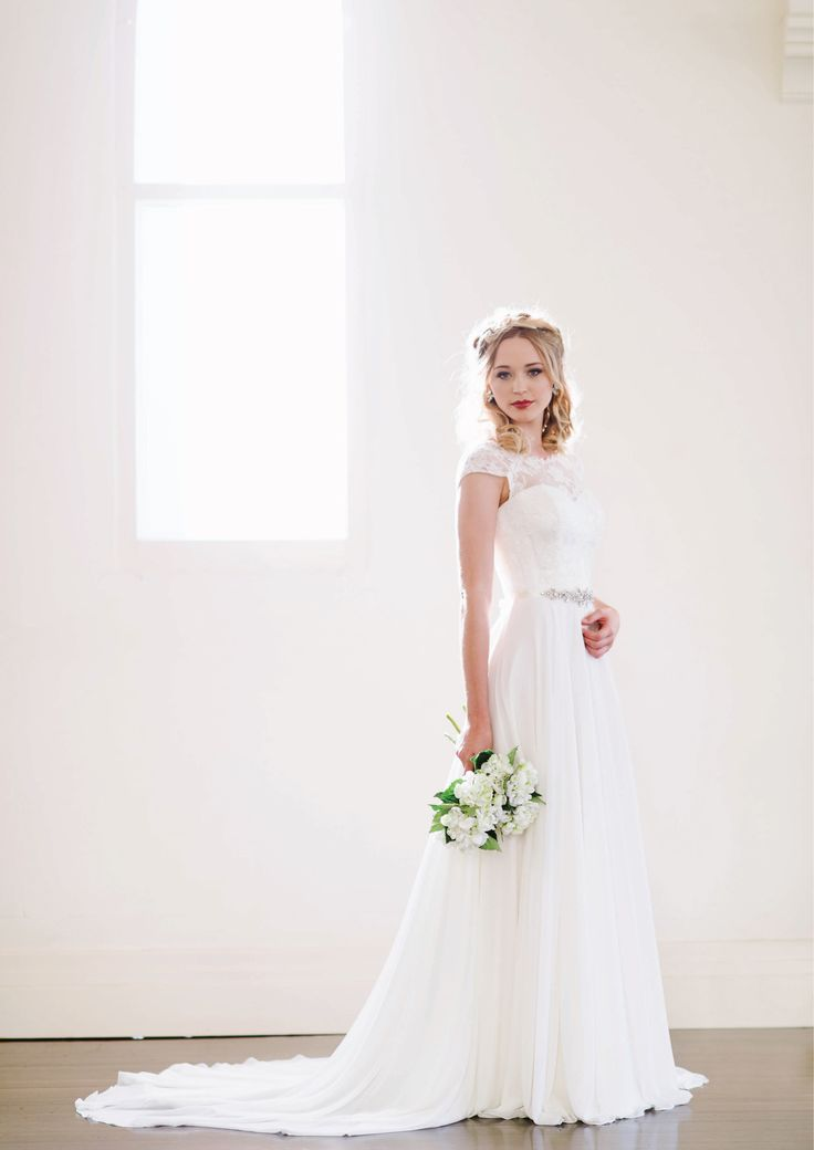 Irene - Lace boatneck with cap sleeves and a flowing georgette overlay skirt