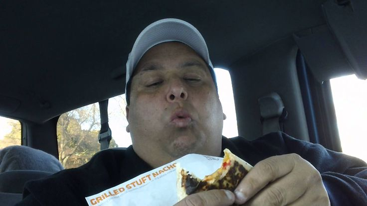 Taco Bell's Grilled Stuft Nacho REVIEWED!!