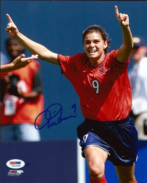 This is an 8x10 photo that has been hand signed by Mia Hamm. It comes with the tamper-proof PSA/DNA sticker and matching certificate for authentication.