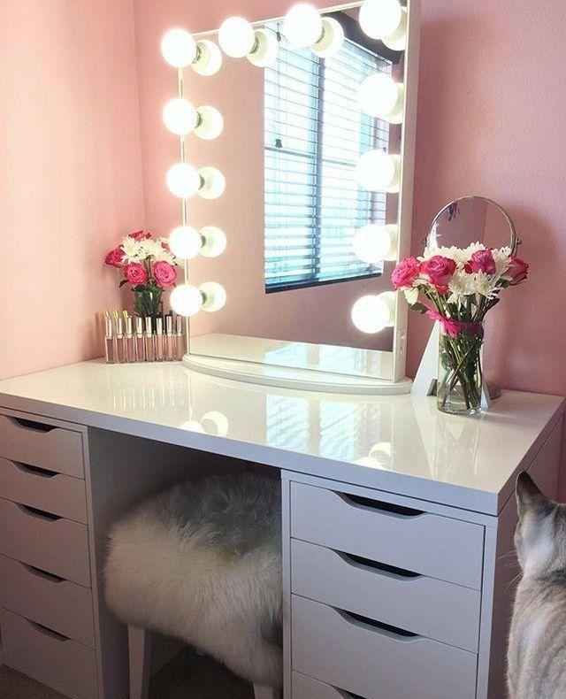 Туалетный столик для косметики картинки