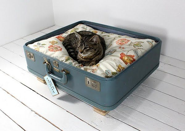 18 Ideas How To Reuse Old Suitcases In Home Decor | Architecture, Art, Desings - Daily source for inspiration and fresh ideas on Architecture, Art and Design