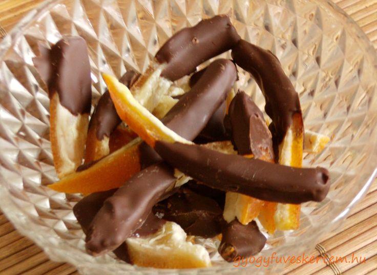 Csokival mártott kandírozott narancshéj, bio narancs