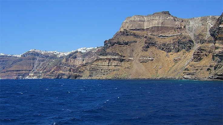 Tholos Resort Hotel Santorini - photo taken from the boat - middle part of the Caldera