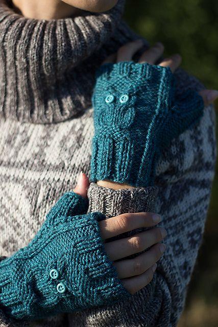 Fingerless Gloves Knitting Pattern Ravelry : Ravelry: Guanti con gufetti - Owl fingerless gloves pattern by Maria Chiara C...