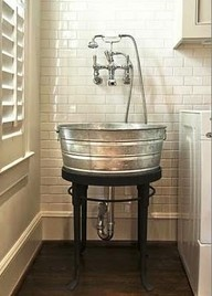 use galvanized tub in the mud room