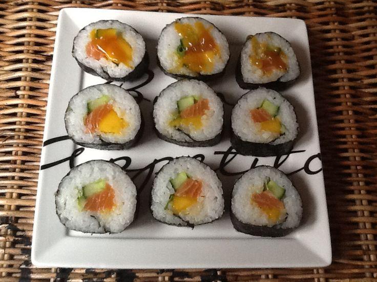 """Fresh salmon with mango """"ready to eat """""""