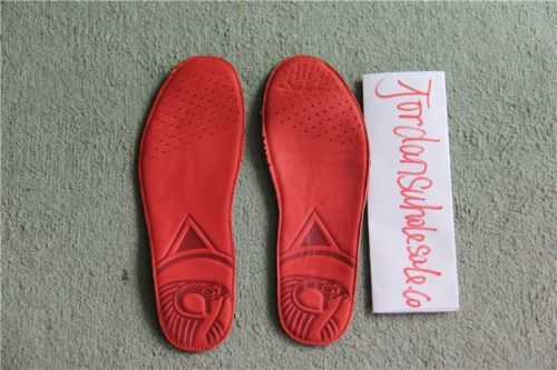Yeezy 2 Red Octobers! Size 8.5 US Deadstock! 100% Authentic
