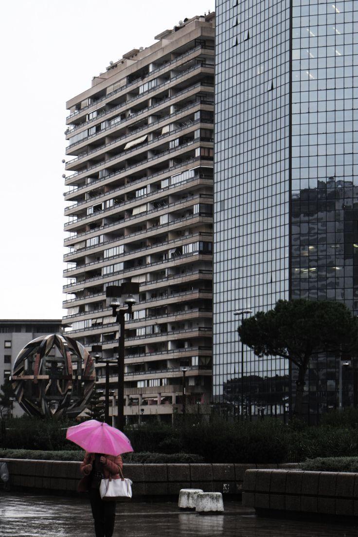 veronicadelica:  pink brolly in napoli  Weronika Dudka