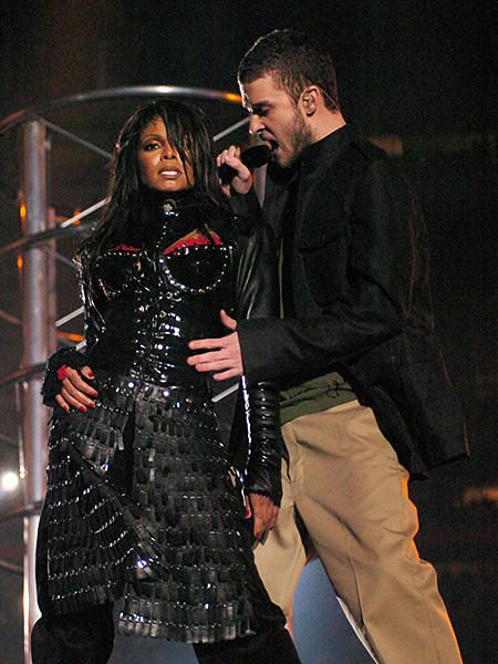 The most memorable Super Bowl Halftime Show performances. Ah who could ever forget the Janet Jackson and JT scandal of Super Bowl XXXVIII (2004)... Two things JT will never (even if he wishes he could) let down are this halftime show and being in NSYNC