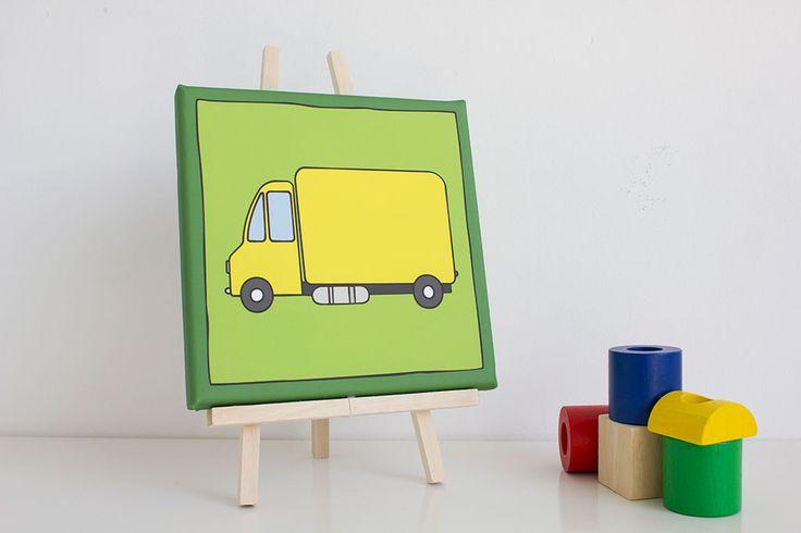 Ontzettend leuke kinderkamer of babykamer decoratie. Met dit mooie schilderij van een vrachtwagen gaat je dat zeker lukken. Op canvas gedrukt in de maten 20x20 cm en 30x30 cm. Je kan kiezen uit verschillende kleuren.