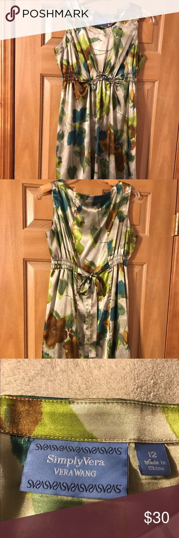 Simply Vera Vera Wang Dress like new Simply Vera Vera Wang dress -  like new only worn once.  Silky and flown dress size 12 - comes just above the knee Simply Vera Vera Wang Dresses