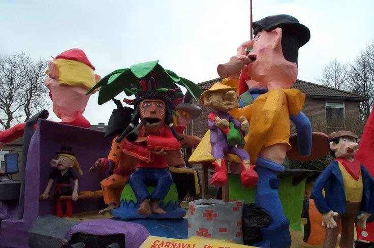 Wenne Meuk Oijen 2000 - Carnaval over de Wereld - Oijense Optocht