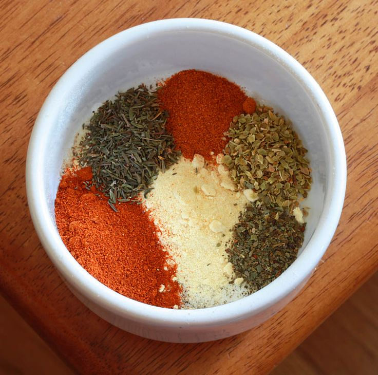 Cajun/Creole Seasoning. Garlic, onion, paprika, thyme, oregano, basil, cayenne, salt and pepper.