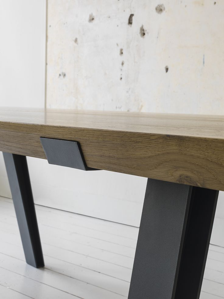 QLiv - Side to Side dining table. Photography José Manual Alorda.