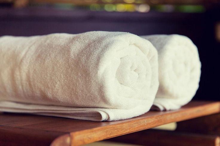 C'est très facile de redonner de la fraîcheur à vos serviettes: vous n'avez qu'à utiliser cet ingrédient que vous avez déjà à la maison!