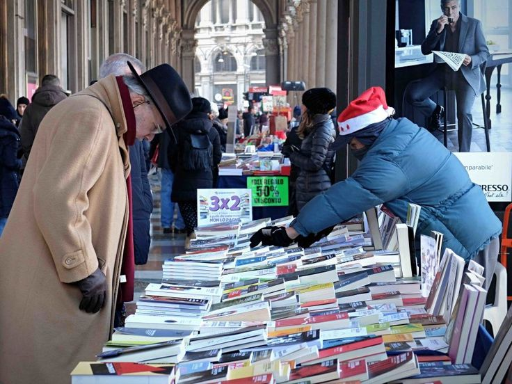 Il Natale invade ogni angolo di piazza Duomo: dopo