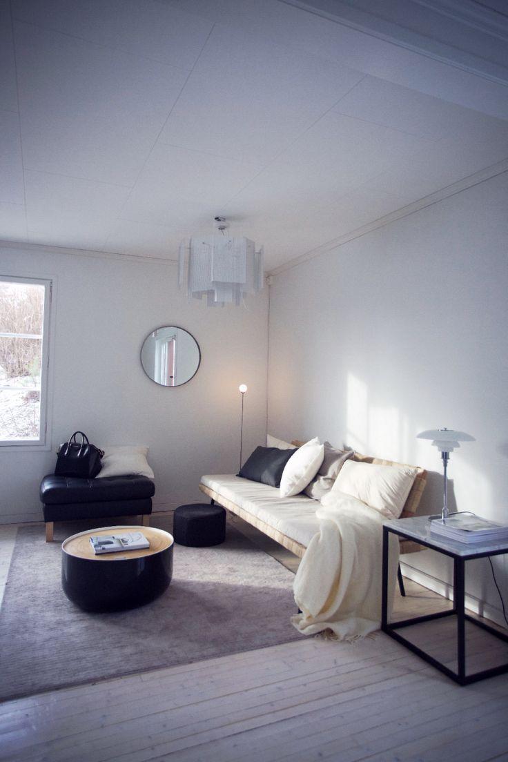 Ingrid Holm Blog - Scandinavian Home, Sinnerlig daybed, modern minimalistic, round mirror, marble side table, Northern Lighting Maze lamp, Nothern Lighting Snowball Lamp, PH 3/2 BORD Louis Poulsen table lamp 28m