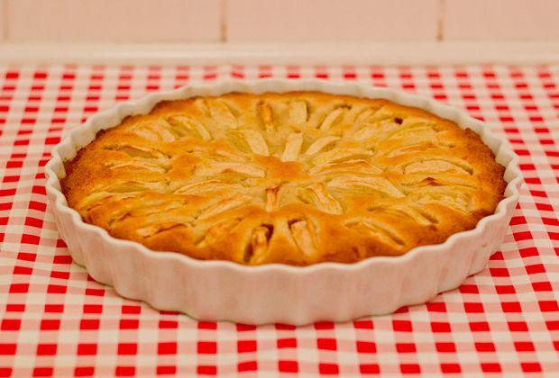 Nem og hurtig æblekage