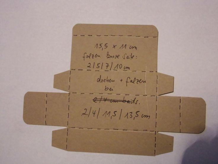 Hallo Ihr Lieben,   hier ist die Anleitung von der Küschen-Box....ist ja ganz einfach...wie ich öfters zu sagen pflege..hihi...       Maße: ...