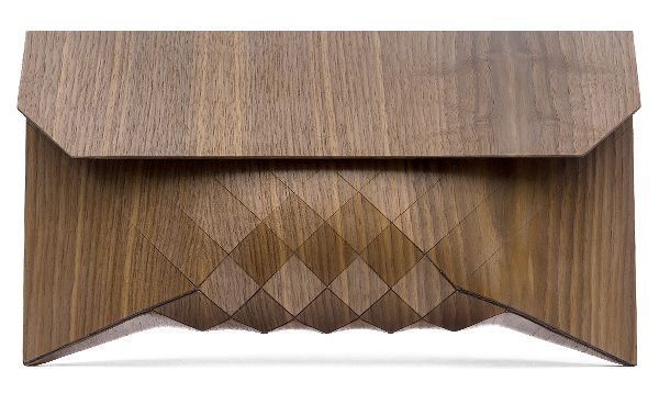 Wooden clutch by Tesler Mendelovitch